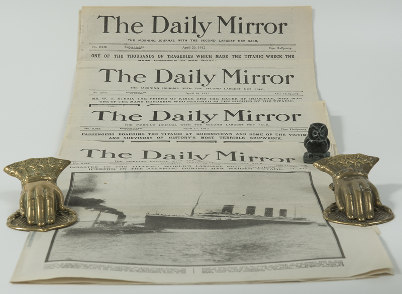 Various. The Daily Mirror - Reproductions of the Issues covering the Titanic